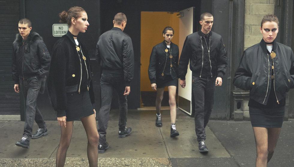 קמפיין החורף של בית האופנה ז'יבנשי הביא אל רחובות מנהטן וברוקלין גדוד של דוגמניות, ובראשן בלה חדיד ומריה-קרלה בוסקונו