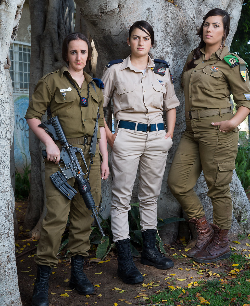 Left to right: Cpl. Inbar Shimshon, 2nd Lt. Eve Cohen and Staff Sgt. Sahar Shmueli (Photo: Tal Shahar)