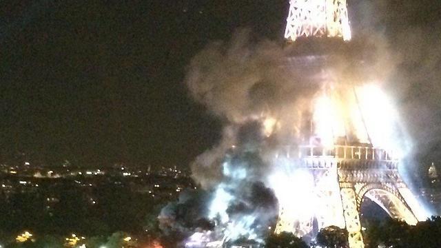 השריפה ליד מגדל אייפל. בגלל זיקוקים (צילום מתוך טוויטר) (צילום מתוך טוויטר)