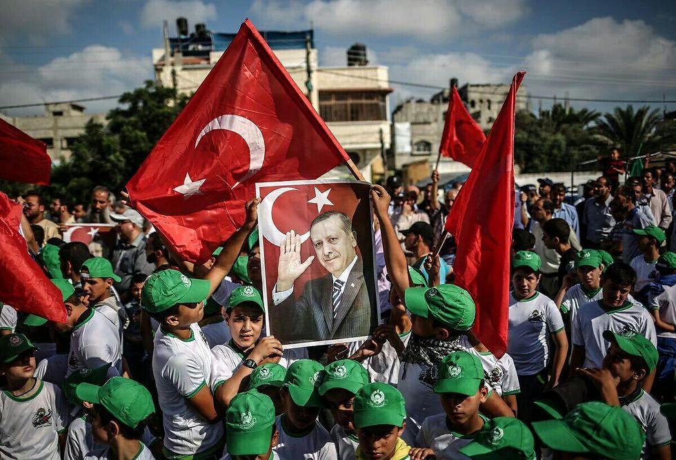 חגיגות ברצועת עזה אחרי כישלון ההפיכה