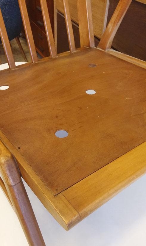 מושב מעץ (צילום: גלי צוק)