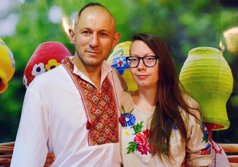 """בני הזוג בפסטיבל אוקראיני בתל אביב. """"בישראל תמיד יש מה לאכול"""" (צילום: טטיאנה גור )"""