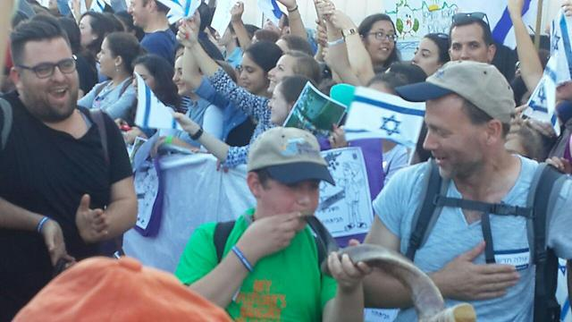 Shofar blasted as the Olim are welcomed to Israel
