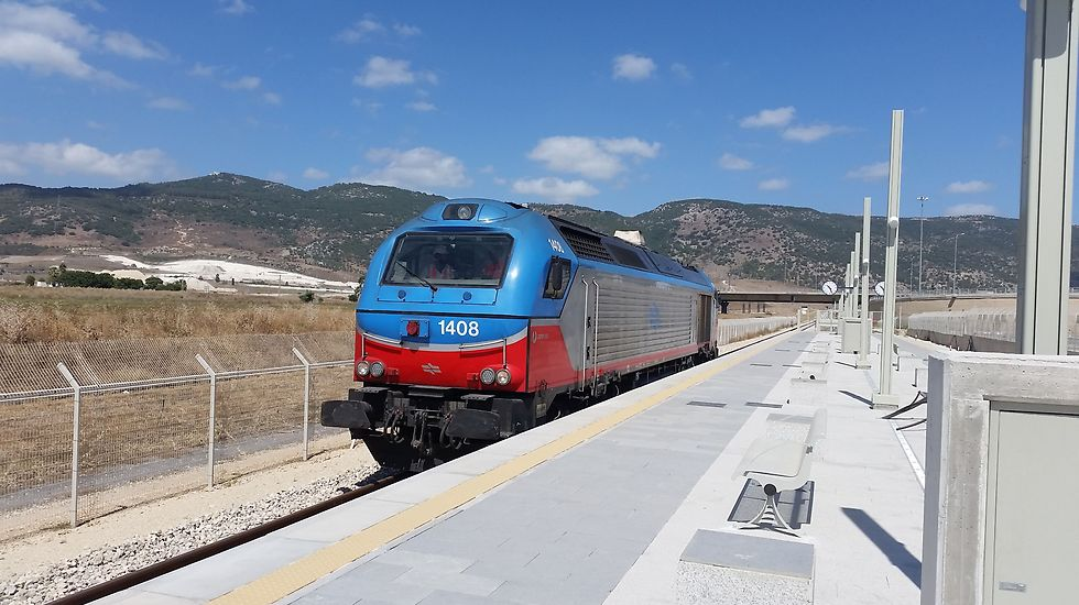 Testing the Jezreel Valley Railroad (Photo: Sharon Tzur)