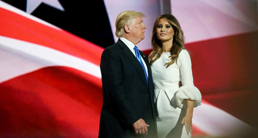 """הדובר של דונלד טראמפ הוציא הצהרה: """"למלניה טראמפ אין סטייליסט. יש לה טעם מצוין. היא פשוט אהבה את השמלה ורכשה אותה"""" (צילום: Gettyimages)"""