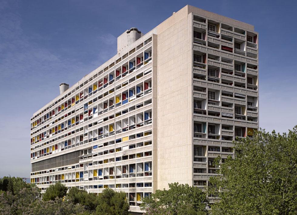 אוניטה ד'ביטסיון (יחידת מגורים) במרסיי, שזכתה לחיקויים וציטוטים מברלין ועד באר שבע, היא מכונת מגורים ובה 1,600 דיירים (צילום: rex/asap creative)