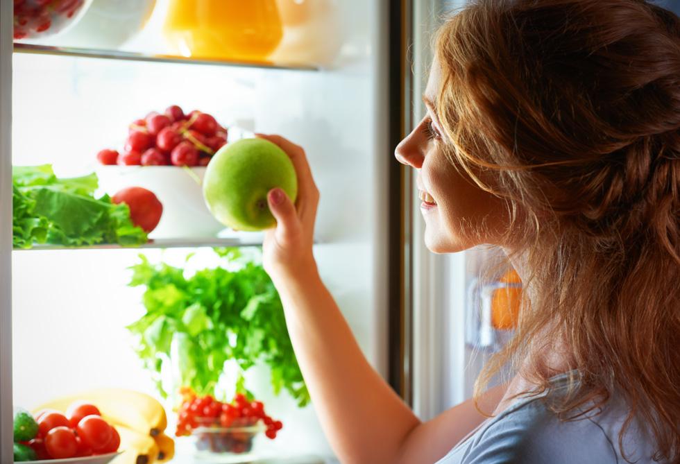 תפוח עץ מסוגל לשרוד במקרר לתקופה ארוכה (צילום: Shutterstock)
