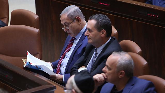 Prime Minister Netanyahu with Ministers Yisrael Katz and uval Steinitz (Photo: Gil Yohanan)