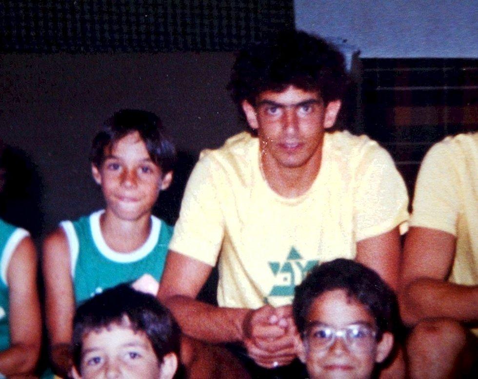 אבי רן. משמאל: ניר דוידוביץ' הצעיר (אלעד גרשגורן) (אלעד גרשגורן)