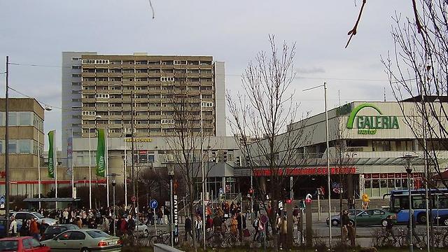 מרכז הקניות אולימפיה במינכן ()