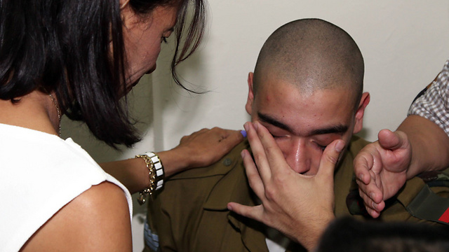 Sgt. Elor Azaria crying in court (Photo: Yariv Katz)
