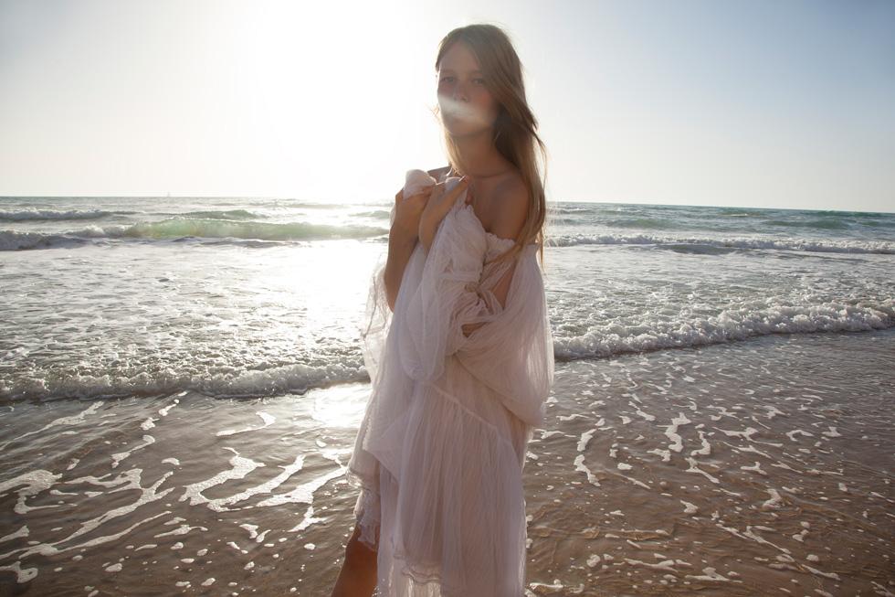 סופיה מצטנר בשמלה, עידן לרוס (צילום: TINO VACCA)