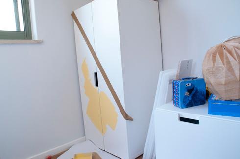הכנת הארון לצביעה (צילום: הילה מגריל)