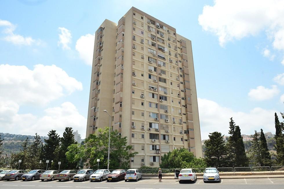 בניין מגורים משותף שעבר שיפוץ חזיתי בחיפה (צילום: ניר בלזיצקי, דוברות עיריית חיפה) (צילום: ניר בלזיצקי, דוברות עיריית חיפה)