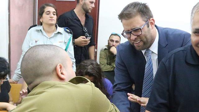 MK Oren Hazan with Sgt. Azaria (Photo: Motti Kimchi)