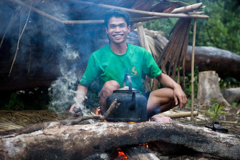 תמונה 342: צ'נג, בן 25 מלואנג נמטה, לאוס, בג'ונגל בצפון ארצו (צילום: אלון פרס)
