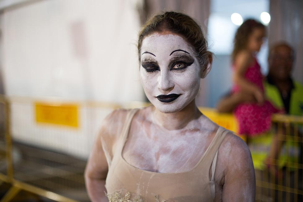 תמונה 72: דפנה, בת 34 מתל אביב, בפסטיבל של פסלים חיים ברחובות (צילום: אלון פרס)