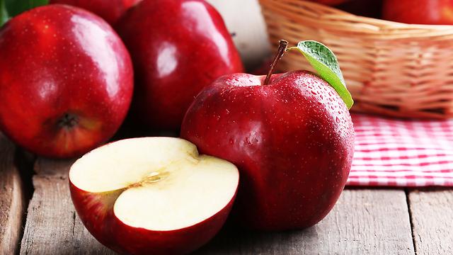 שנה טובה ומתוקה. תפוח בדבש (צילום: shutterstock)