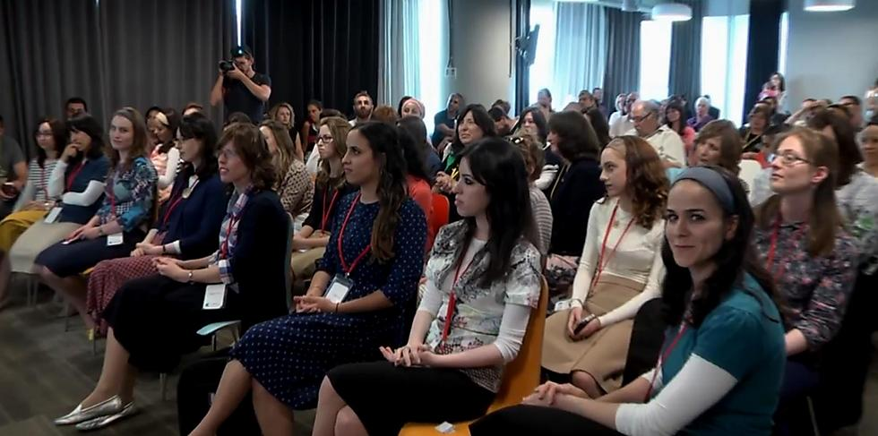 Modestly dressed ultra-Orthodox women attend a high-tech conference  (Photo: Eli Mandelbaum)