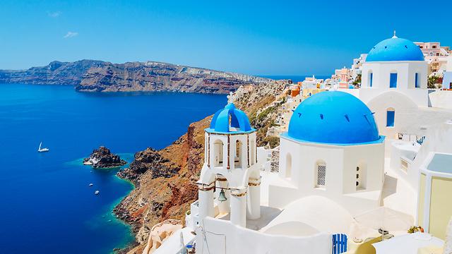 סנטוריני. איי יוון יכולים להיות קרירים בספטמבר (צילום: shutterstock)