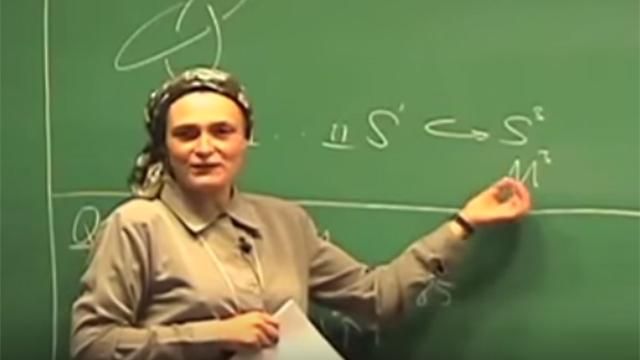 רות לורנס כיום. פרופסור באוניברסיטה העברית ()
