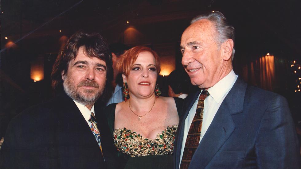 שמעון פרס עם ז'קלין ואביגדור ליכטנשטיין (צילום: סיון פרג') (צילום: סיון פרג')