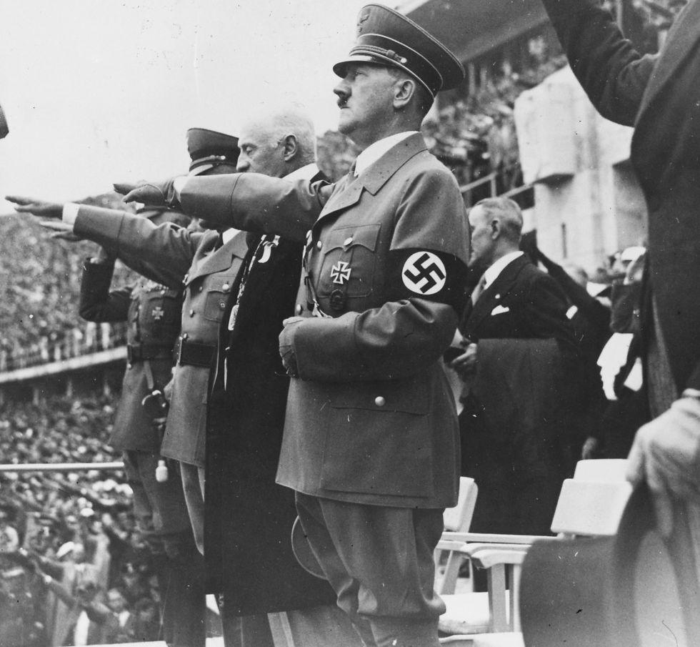 """""""חינכו אותי שהתקופה שבה גברים צריכים להילחם נגמרה"""". היטלר באולימפיאדת ברלין, 1936 (צילום: getty images) (צילום: getty images)"""