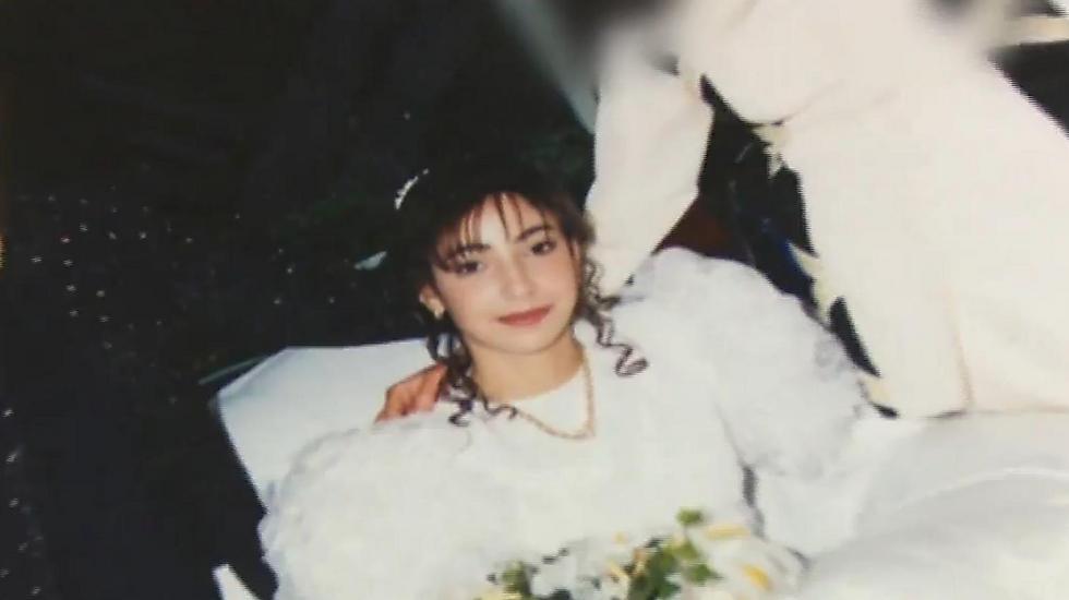 """הייתה בת 15 וחודש כשנישאה. שרה מימוני (צילום: מתוך """"פנים אמיתיות"""")"""