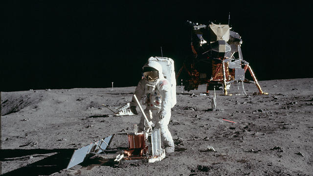 באז אולדרין על הירח ביולי 1969 (צילום: רויטרס)