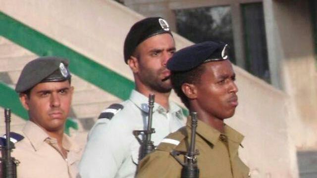 דמאס פיקדה בטקס סיום קורס הקצינים ()