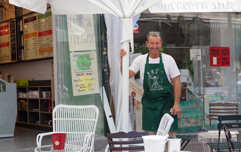 מרקו קמוראלי במדרחוב נחלת בנימין בתל אביב (צילום:דניאל קונטיני)