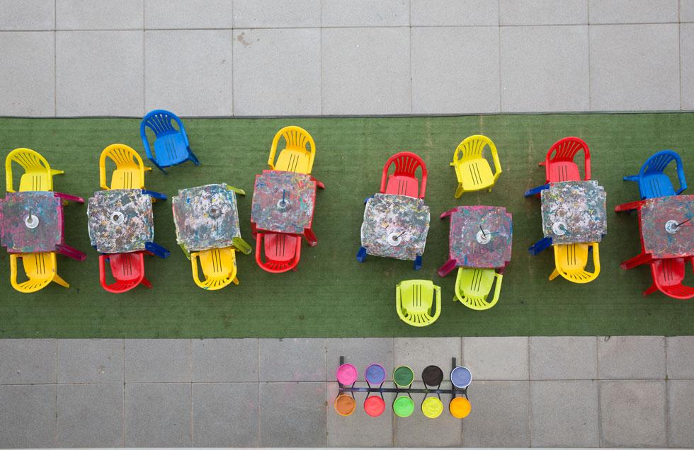 פינת יצירה לילדים, במבט מלמעלה (צילום: דור נבו)