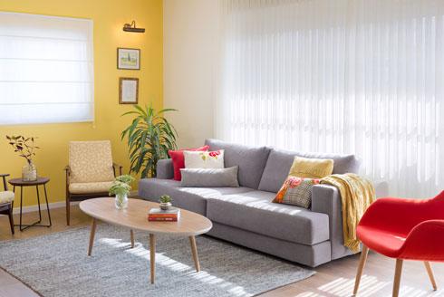 הספה והכורסה האדומה חדשות (צילום: שי אפשטיין)