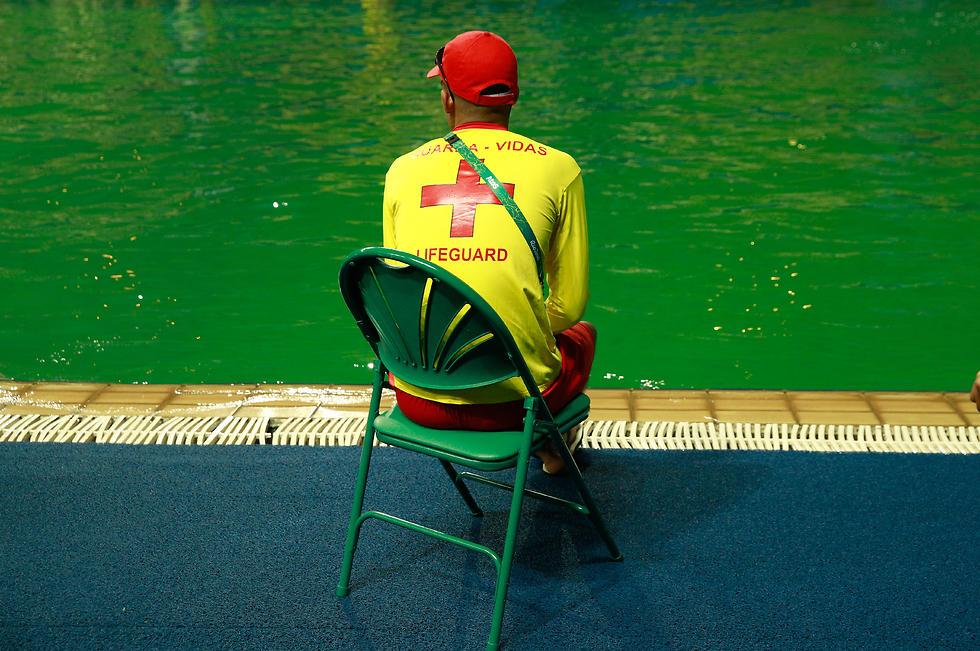 המים הירוקים בבריכה בריו (צילום: גטי אימג'ס) (צילום: גטי אימג'ס)