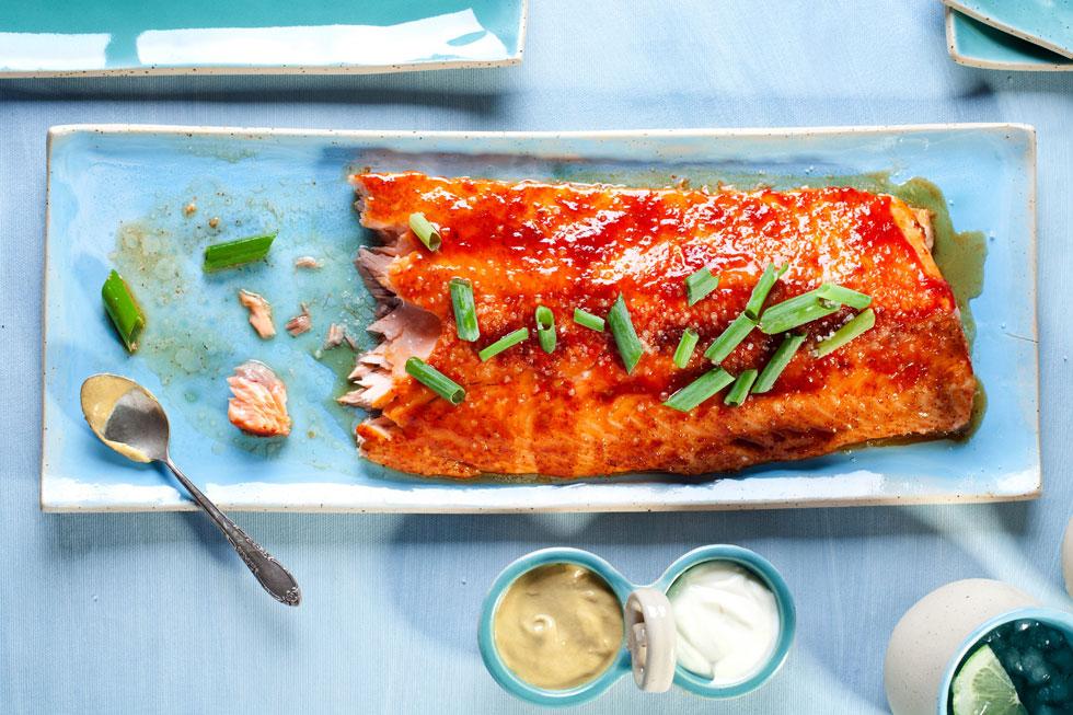 פילה סלמון בתנור בסילאן וצ'ילי אדום (צילום: בועז לביא, סגנון: עמית דונסקוי)
