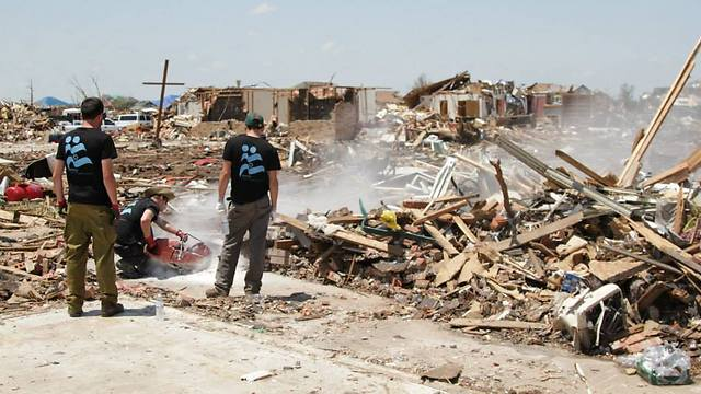 IsraAID assists in disaster recovery following tornados in Oklahoma (Photo: IsraAID)
