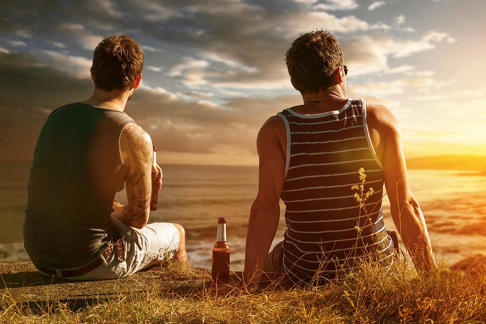 לא מספיק להיות חברים. צריך גם לדעת איך לעזור ברגע הקריטי (צילום: Shutterstock)