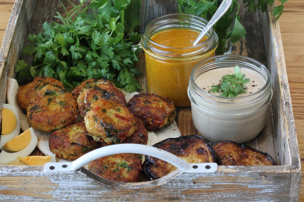 קציצות ירקות עיראקיות עם תפוחי אדמה, סלרי ופטרוזיליה (צילום, סגנון והכנה: אסנת לסטר)