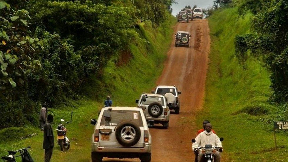 הדרכים האדומות של אפריקה (צילום: יהודית הופמן) (צילום: יהודית הופמן)