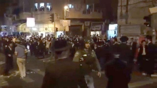 """עימות עם לוחמי מג""""ב בבירה (צילום: הערשי פרלמוטר חדשות 24) (צילום: הערשי פרלמוטר חדשות 24)"""
