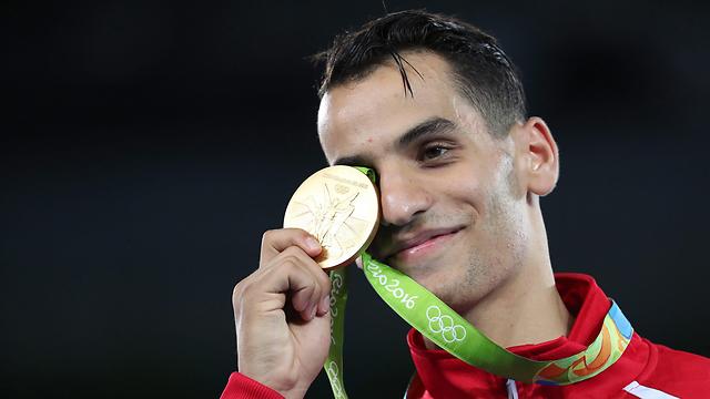 אחמד אבו גוש שזכה במדליית זהב (צילום: EPA) (צילום: EPA)