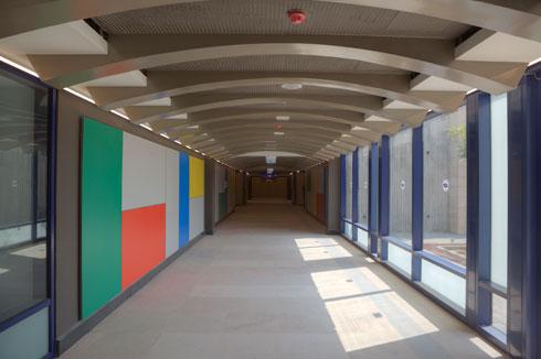 מצרך נדיר בתחנת רכבת ישראלית: צבע. תחנת עפולה (צילום: עמרי טלמור)
