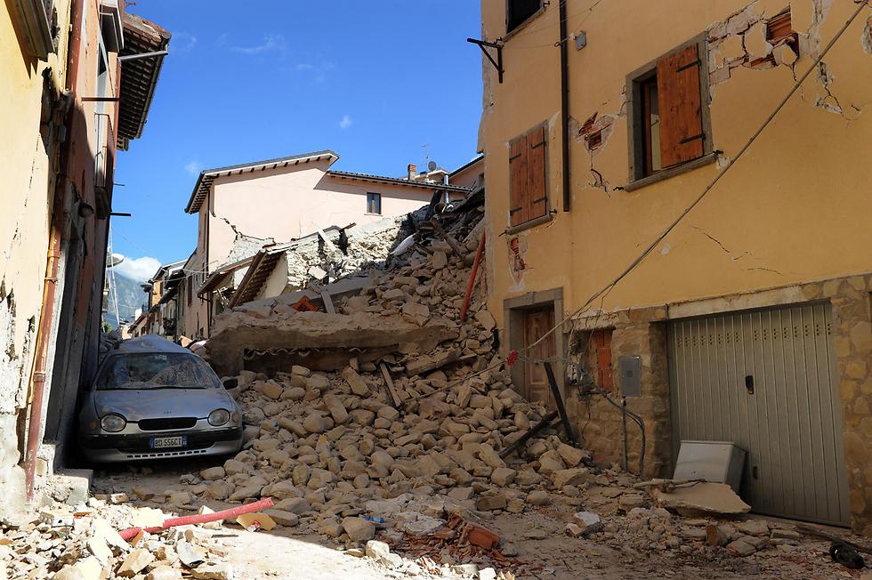 הריסות בעקבות רעידת האדמה באיטליה (צילום: mct) (צילום: mct)