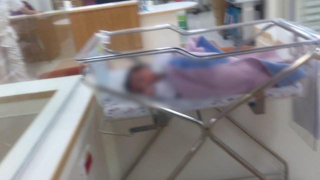 מי מפקח על התינוקות?