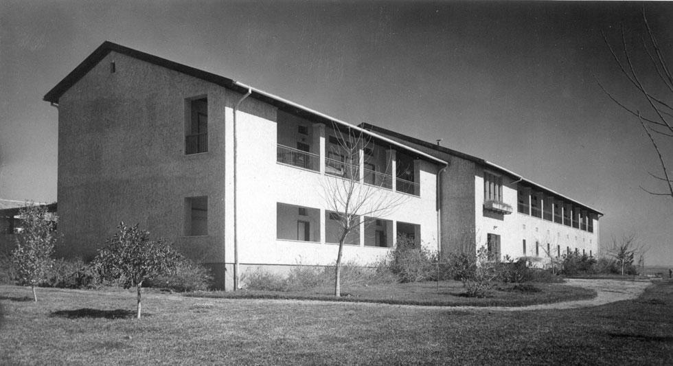 העבודה הראשונה: בגיל 24 בלבד, זכו שולמית ומיכאל נדלר בתחרות לתכנון מדרשת רופין. הסגנון הכפרי אפיין את התקופה הראשונה (צילום: פרי אור)