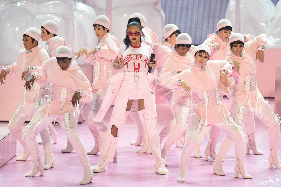 פה זה לא פארק הירקון. ריהאנה בטקס פרסי VMA  (צילום: Gettyimages)
