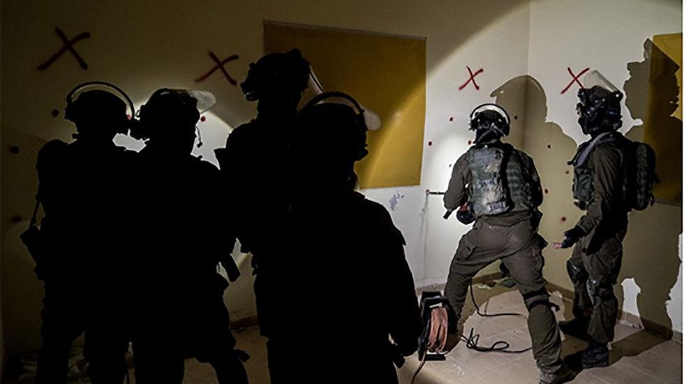 IDF forces preparing to demolish the house of terrorist Mohammad Amairah (Photo: IDF Spokesperson's Unit)