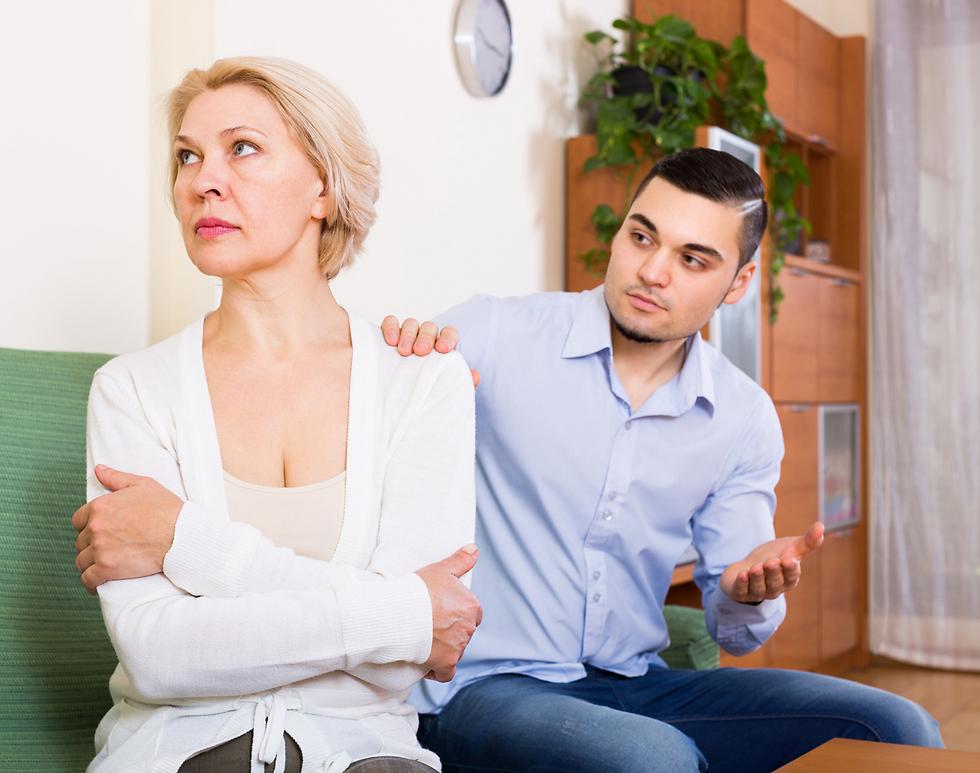 מערכת היחסים שלנו עם הורינו כילדים עשויה לחלחל הלאה למערכות היחסים שנקיים בגילאים מאוחרים יותר (צילום: Shutterstock)