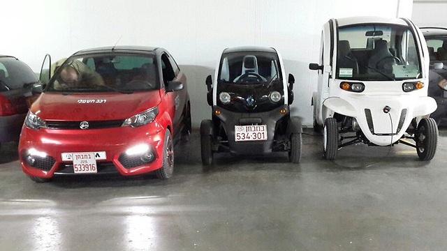שלוש המכוניות שהשתתפו בניסוי (צילום: משרד התחבורה) (צילום: משרד התחבורה)