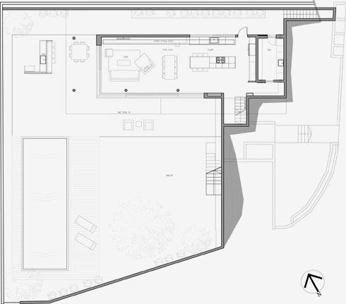 תוכנית הקומה התחתונה, שנמצאת במפלס הגינה והבריכה (שרטוט: יעקבס-יניב אדריכלים)